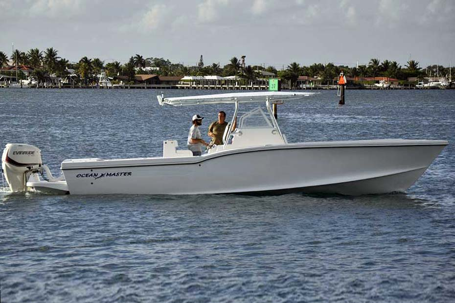 33-foot Center Console Fishing Boat by Ocean Master Old Factory Building